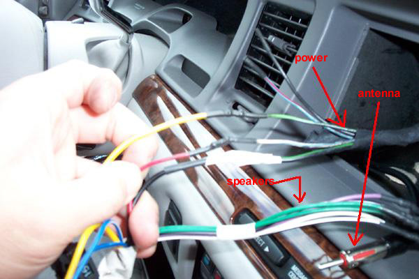 wire1 lincolns of distinction your guide to lincoln town car 1997 lincoln town car radio wiring diagram at eliteediting.co