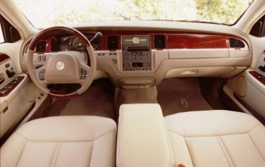 2003 Lincoln Town Car Interior